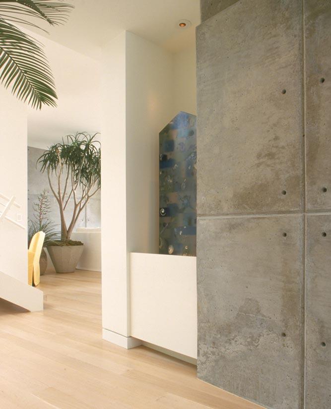 Contemporary Beach House Interior Design ǀ David Michael Miller