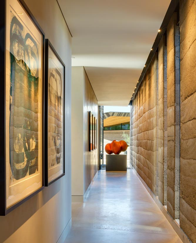 Camelback contemporary house interior design in phoenix az for Interior decorators phoenix az